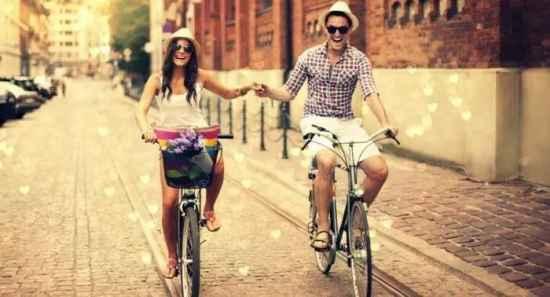 恋爱中女生该怎么做 女生在爱情中要学会的三件事,恋爱真美