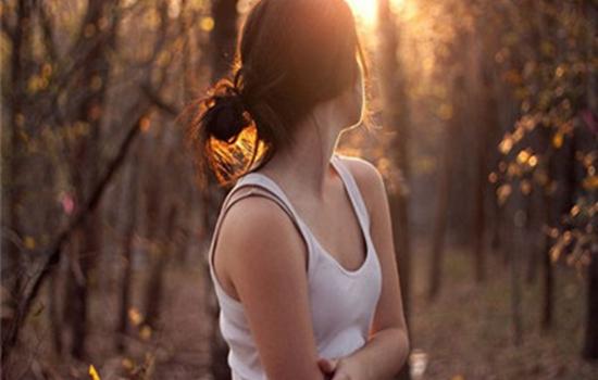 女朋友害怕我离开她 教你怎么给她安全感,男女关系描写